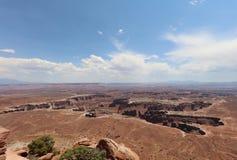 Грандиозная точка зрения обозревает в национальном парке Canyonlands Юта Стоковые Изображения RF