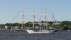 Грандиозный парад отклонения годовщины порта Гамбурга