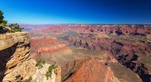 Гранд-каньон, Аризона, пейзаж перспективы в осени на восходе солнца Стоковые Фото