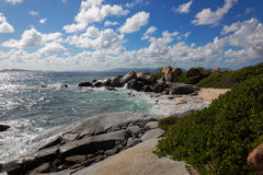 Гранит трясет в девственнице Gorda ванн, острове великобританской девственницы, карибском стоковое фото rf