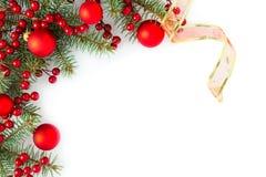 граница предпосылки кладет тесемки в коробку подарка рождества золотистые изолированные белые Стоковое фото RF