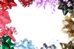 Граница смычка подарка с белой предпосылкой Стоковое Изображение