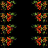 Граница с rowanberry, зеленым цветом и листовыми золотами Стоковые Изображения RF