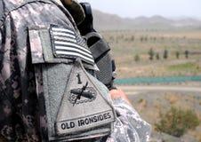 граница 4 афганцев проверяя место наблюдения Стоковые Изображения RF