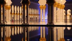 Грандиозная мечеть в Абу-Даби, ОАЭ видеоматериал