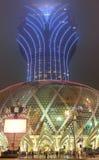 Грандиозное казино Лиссабона в Макао на ноче тумана Стоковая Фотография