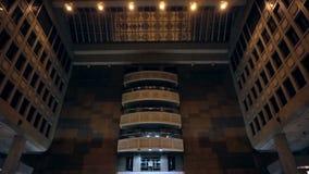 Грандиозный взгляд снятый залы главного вокзала Тайбэя Места встречи ориентир ориентира и соединение транспорта в Тайбэе, Тайване видеоматериал