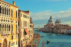 Грандиозный канал увиденный от моста Accademia, Венеции Стоковые Фото
