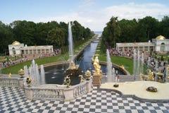 Грандиозный каскад дворца Peterhof Стоковые Фото