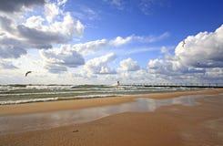 Грандиозный маяк гавани в августе Стоковые Изображения RF