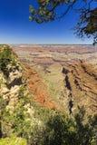 Гранд-каньон, южная оправа, солнечный день с голубым небом Стоковая Фотография