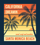 Графики футболки Калифорнии с ладонями Дизайн футболки, печать, оформление, ярлык, значок Стоковая Фотография