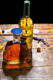 Графинчик вискиа и бутылка вина Стоковое Фото