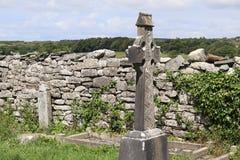 Графство Клара Ирландия 3 собора Kilfenora кельтского креста стоковая фотография