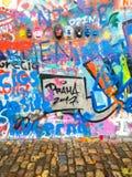 Граффити стены Джон Леннон в Праге, чехии Стоковое фото RF