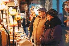 Грац, Австрия - декабрь 2017: Люди наслаждаясь пришествием c Грац стоковое изображение
