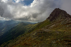 Гребень гор под облаками Горы Tatra Стоковые Фотографии RF