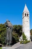 Грегори статуи Nin и колокольни в разделении - Dalmacia, Хорватии стоковое фото rf