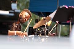 Грегори Hutchinson, барабанщик с Иешуа Redman на джазовом фестивале Чарли Паркер в Манхаттане, 2017 Стоковое Фото