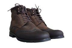 Греемые ботинки коричневого цвета ` s людей от nubuck с шнурками Стоковое фото RF