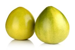2 грейпфрута помельев китайских на белизне Стоковая Фотография