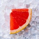 Грейпфрут с льдом Стоковые Изображения