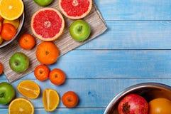 Грейпфрут, tangerines, яблоки и апельсины Стоковое Изображение RF