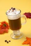 грелки кофе коктеила кафа королевские Стоковое фото RF