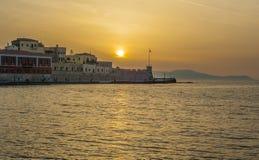 Греция, Крит, заход солнца в свете вечера Chania Xania к городу ha стоковые фото