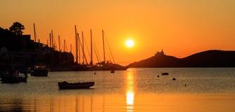 Греция, остров Kea Заход солнца над морем, Стоковое Изображение RF