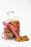 Грецкие орехи в опарнике Стоковая Фотография RF