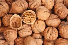 грецкие орехи предпосылки Стоковые Фотографии RF
