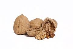 Грецкий орех и треснутый грецкий орех Стоковое Изображение RF