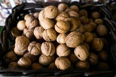 грецкий орех корзины Стоковые Фотографии RF