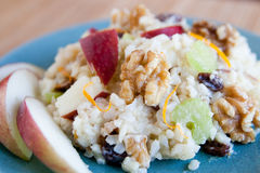 грецкий орех салата риса яблока Стоковая Фотография