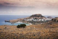 Греческая деревня Lindos в Родосе Стоковые Фотографии RF
