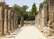 Греческая каменная колоннада штендера Стоковое фото RF
