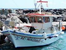 Греческая рыбацкая лодка стоковые изображения