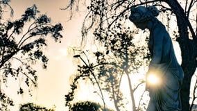 Греческая статуя с взглядом backlight солнца вечера, Ла Serena женщины, Чили Стоковые Изображения RF