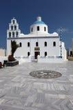 Греческая церковь в Oia, Santorini Стоковое фото RF