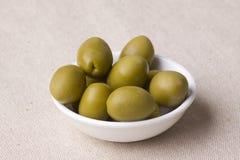 греческие зеленые оливки стоковое изображение rf
