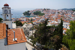греческие skiathos порта острова стоковое изображение
