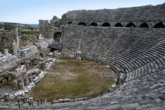 Греческий амфитеатр в стороне, Турции Стоковая Фотография RF