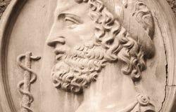 Греческий бог Asclepius стоковое изображение