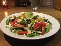греческий салат вкусно классицистическо стоковое фото