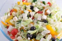 Греческий салат в стеклянном шаре Стоковое Изображение RF