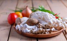 Грибы и овощи для здоровый варить Стоковое фото RF