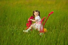 гримаса ребенка велосипеда комичная Стоковая Фотография RF