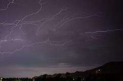 Гроза с ударами молнии на тайском Стоковая Фотография
