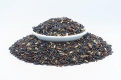 Грубый черный изолированный рис Стоковые Изображения